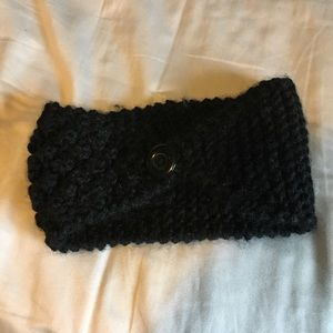 Accessories - Black knit headband button closure